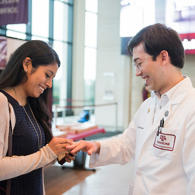 Aggie doctor receiving Aggie ring